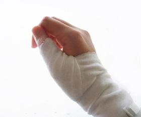 手首・肘の痛み(野球肘・テニス肘)